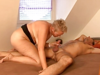 chubby blond mature bonks with guy friend on