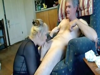 amateur mature oral pleasure-sex on couch with