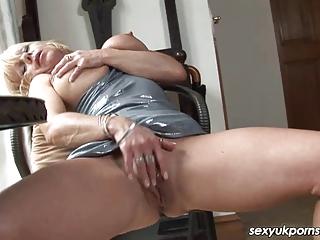 older uk pornstar jane bond boffs her bawdy cleft