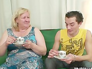 biggest granny is gangbanged by her son on law
