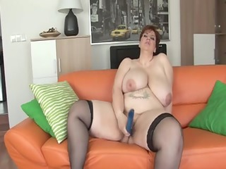 unforgettable shorthair-big glamorous woman