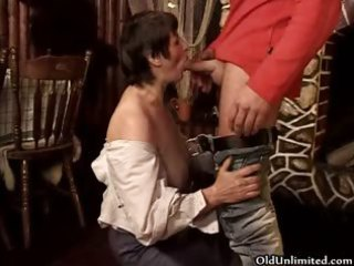 messy older brunette wife t live without sucking