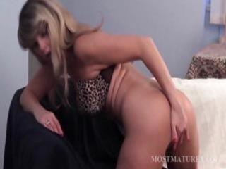 mature blondie riding a large dildo
