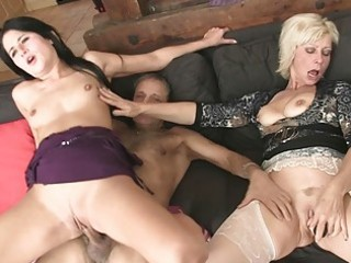 mamma licks daughters pussy during the time that