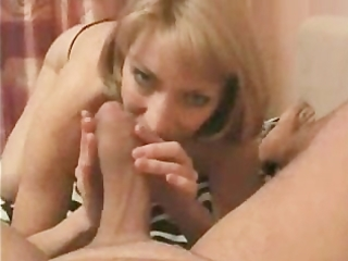 sexy blonde mom is engulfing the hell out of dads