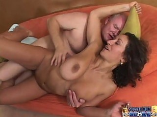 sexy soccer mama does the trainer