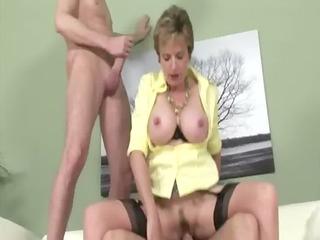 weenie loving older brit acquires cumshots