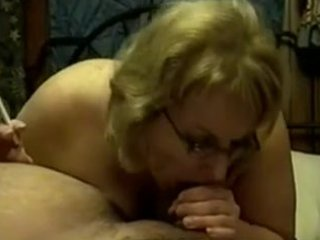aged cougar smokin oral sex