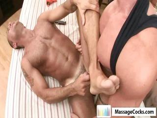 massagecocks muscule latino rubbing.p89