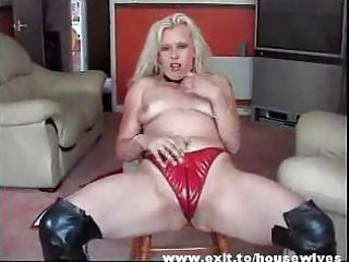 dutch mother widening amazing twat and ass