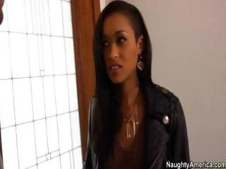 sexy ebony d like to fuck hooks up with her