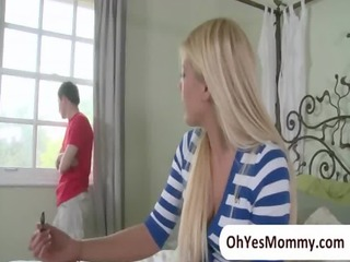 busty stepmom jennla moore seduces her