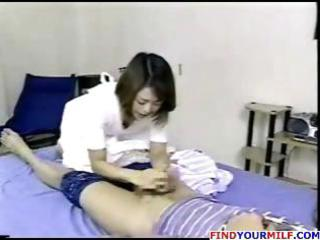 japanese mamma wakes up and rubs her twat