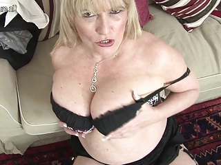 hot british mother shows her great mounds and