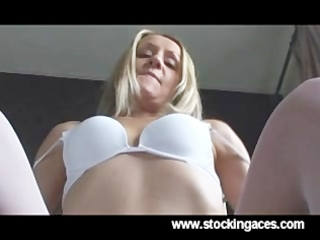 hawt blond d like to fuck fingers her pussy