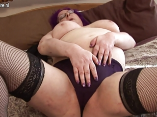 british mamma working her cum-hole