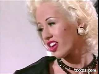 rich golden-haired american milf in nylons
