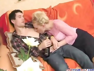 russian excited aunty seducing cousin