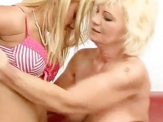 granny and hawt girl fucking