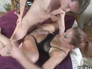 babe enjoys a long dig in her older pussy