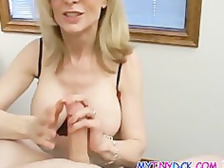 nice-looking blond d like to fuck with an apetite
