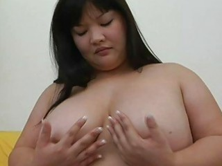 large oriental momma with big love muffins plays