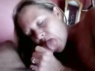 aged lady gives an experienced fellatio